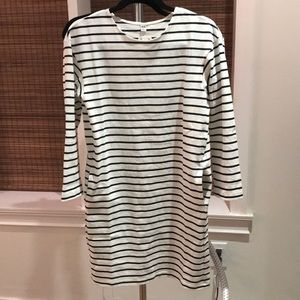 Uniqlo tshirt dress ivory with navy stripes XS
